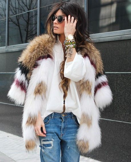Picture Of super chic short fur coat outfits to feel warm in winter  13