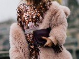 super-chic-short-fur-coat-outfits-to-feel-warm-in-winter-14
