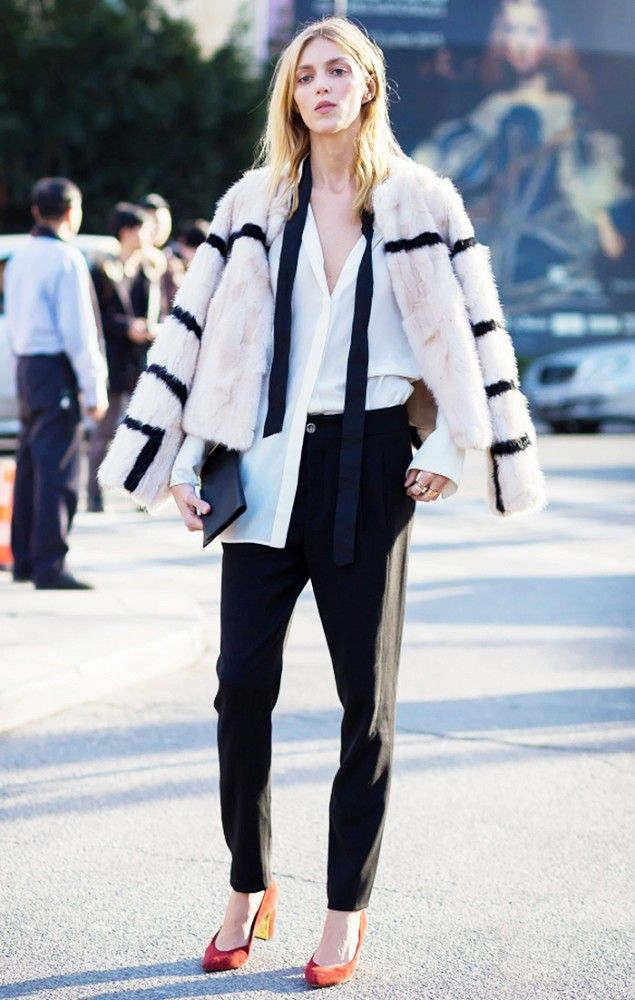 Picture Of super chic short fur coat outfits to feel warm in winter  16