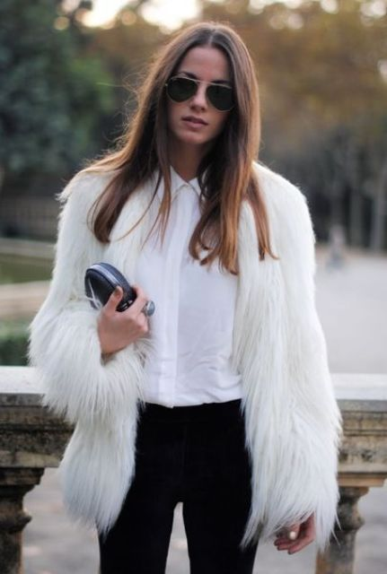 Picture Of super chic short fur coat outfits to feel warm in winter  5