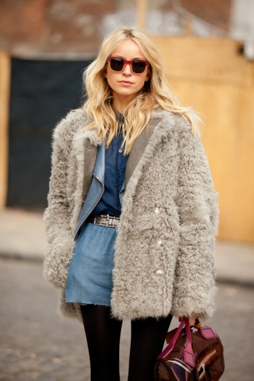 Super Chic Short Fur Coat Outfits To Feel Warm In Winter