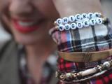 super-easy-diy-alphabet-bracelets-1