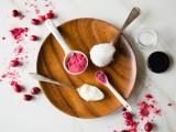 sweet-diy-cranberry-coconut-lip-gloss-2