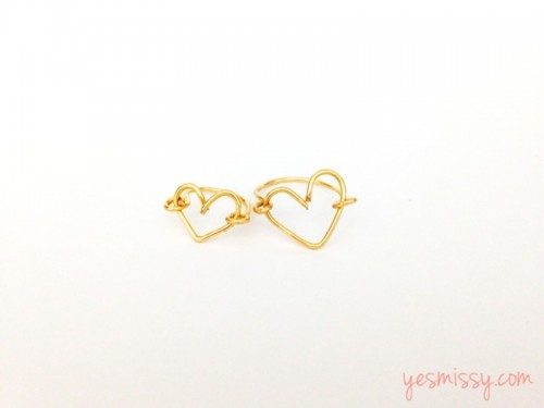 Sweet DIY Wire Heart Ring As A Valentine's Day Gift