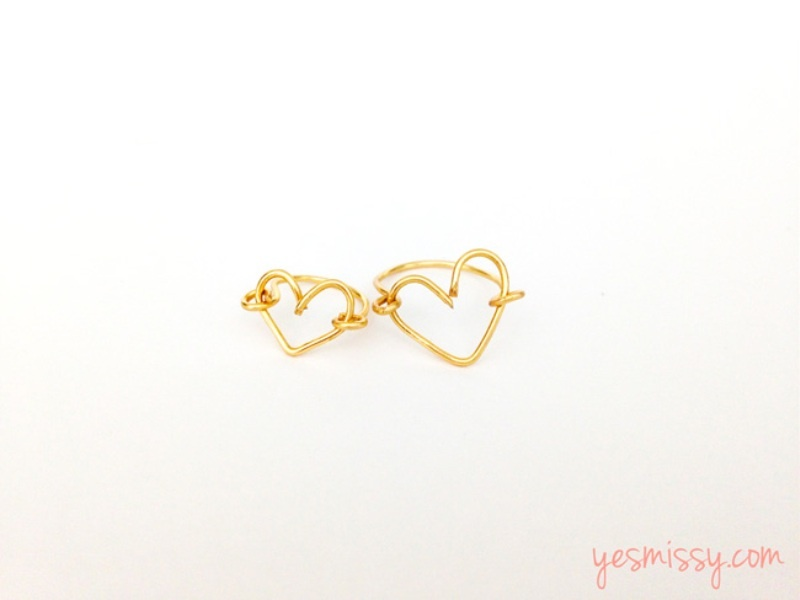 Picture Of sweet diy wire heart ring as a valentines day gift  1