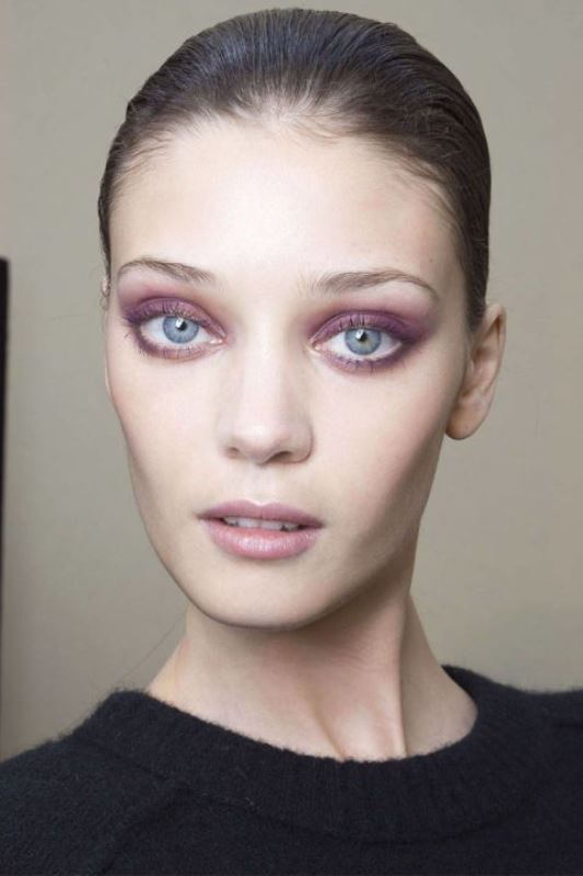 Picture Of the 18 best makeup ideas for blue eyes  13