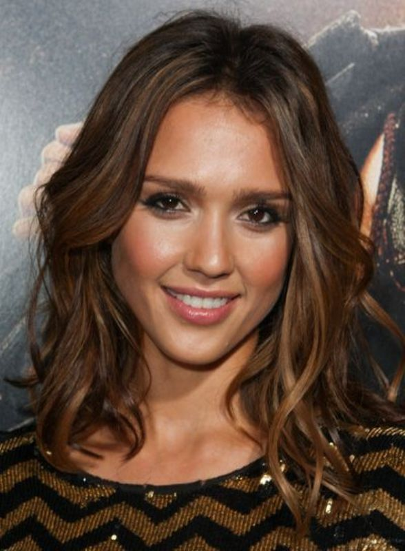 Picture Of the beauty trend report the wavy lob hairstyle  7