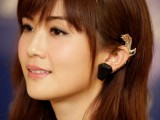 the-hottest-fall-trend-cuff-earrings-13