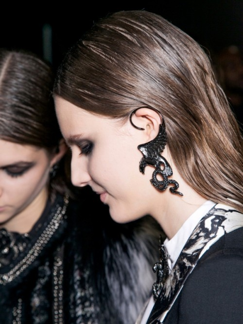 The Hottest Fall Trend: 20 Cuff Earrings To Wear