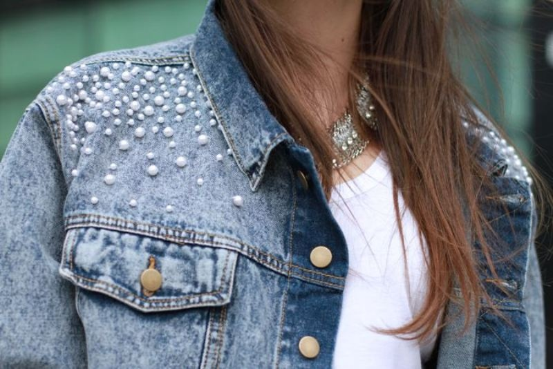 Picture Of the hottest fashion trend 10 pearl embellished denim outfits  6