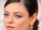 the-hottest-make-up-trend-nude-lips-15