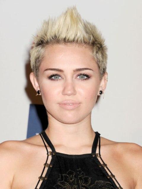 Nude Lips: 20 Celebrities' Looks To Get Inspired