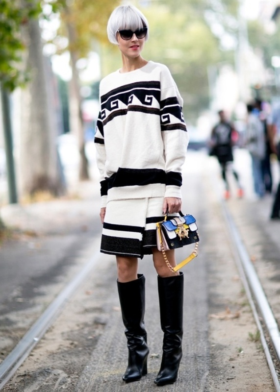 Picture Of top 15 trendy miniature bags to wear this fall  14
