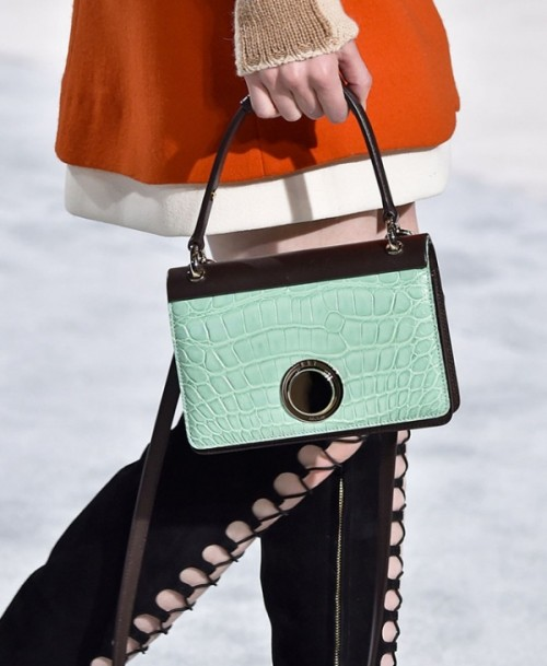 Top 15 Trendy Miniature Bags To Wear This Fall