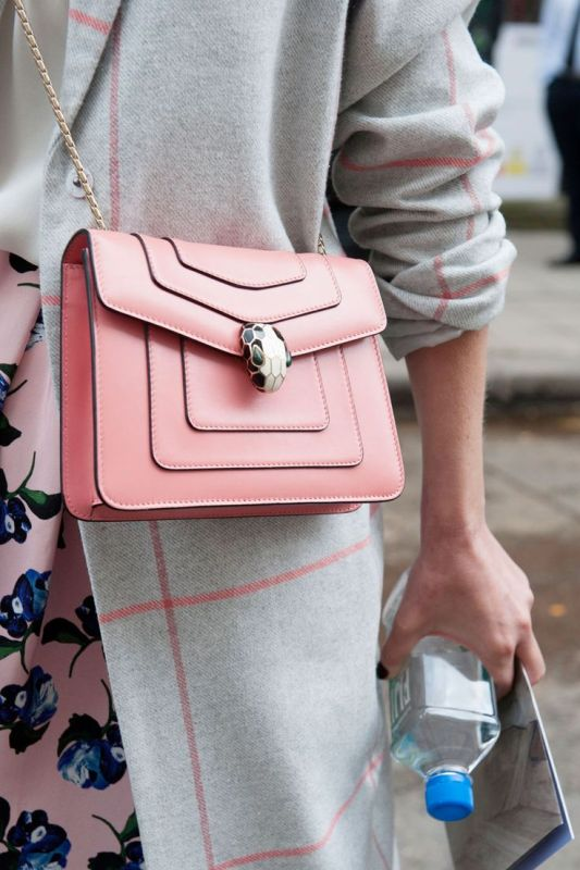 Picture Of top 15 trendy miniature bags to wear this fall  6