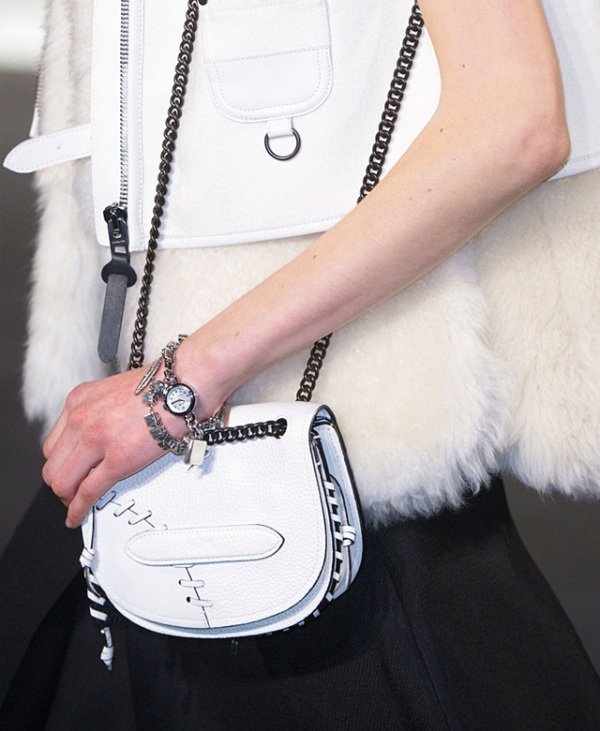 Picture Of top 15 trendy miniature bags to wear this fall  8