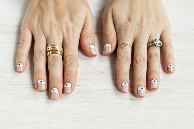 Picture Of trendy and cute diy eye nails design to try  2