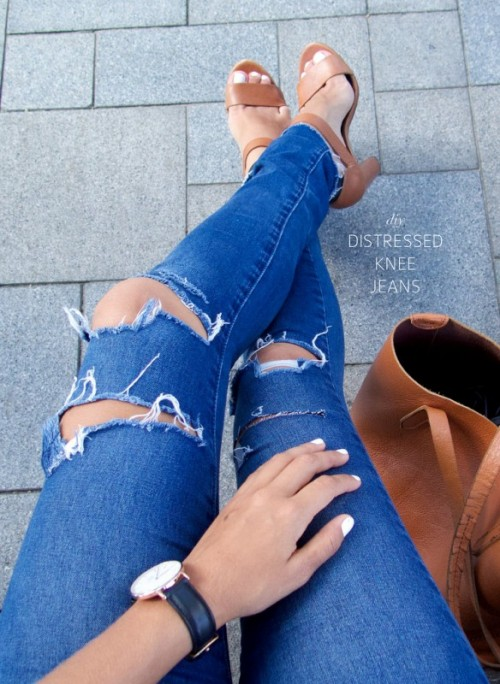 Trendy DIY Distressed Knee Skinny Jeans
