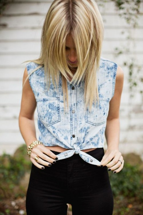 Trendy DIY Tied Crop Top To Make For This Summer