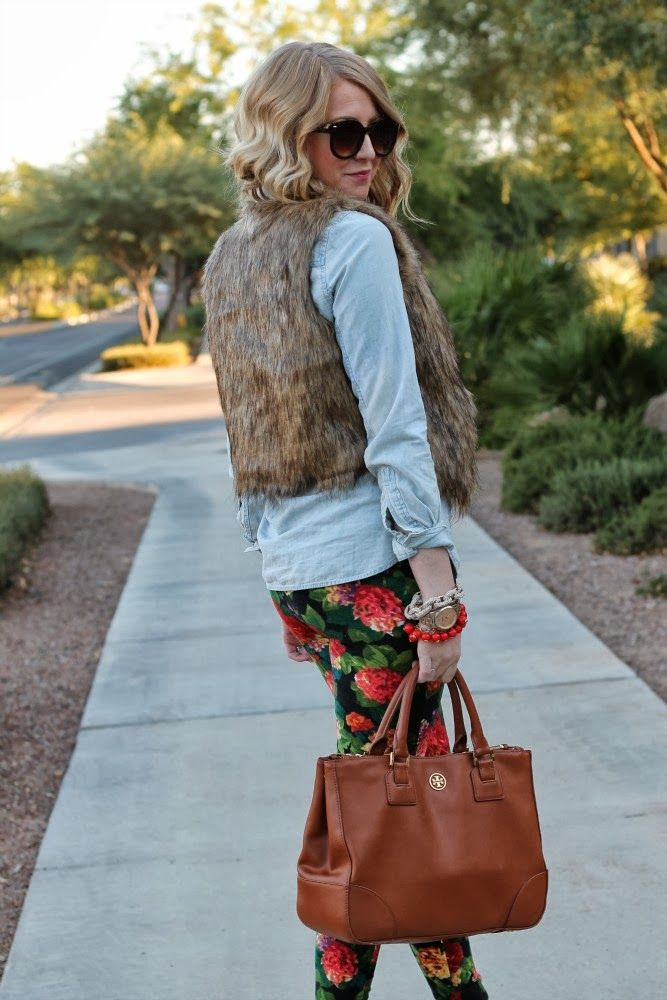 Picture Of trendy fall layer looks with fur  12