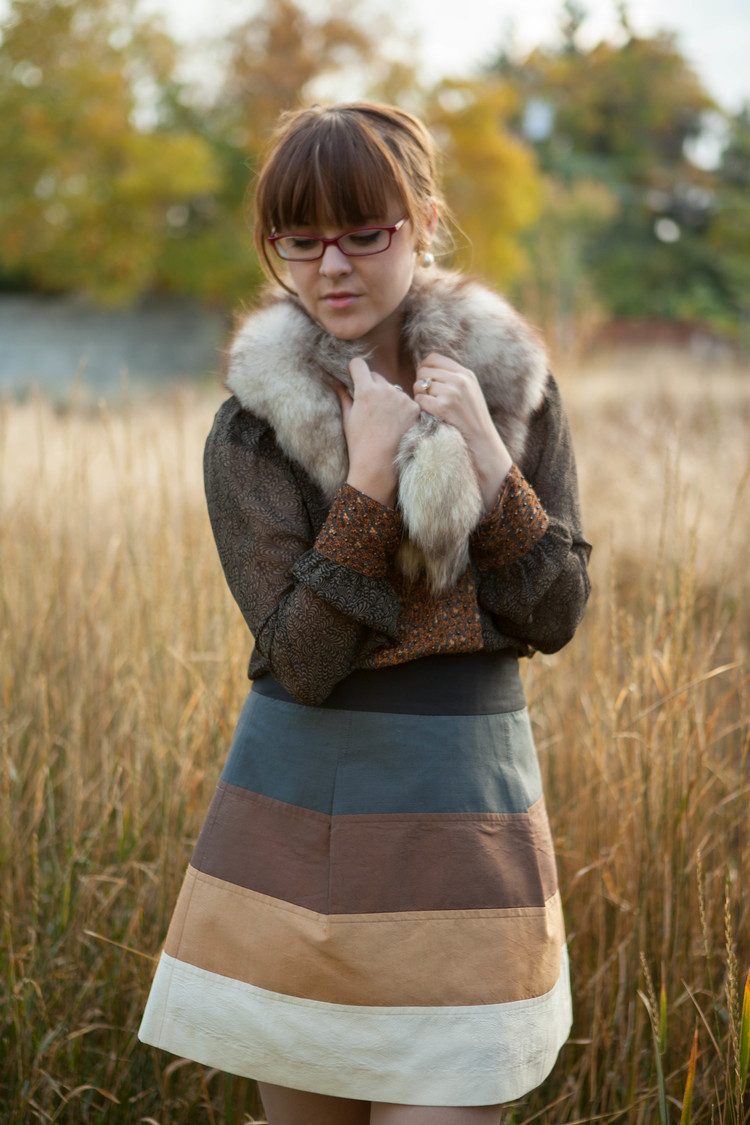 Picture Of trendy fall layer looks with fur  17