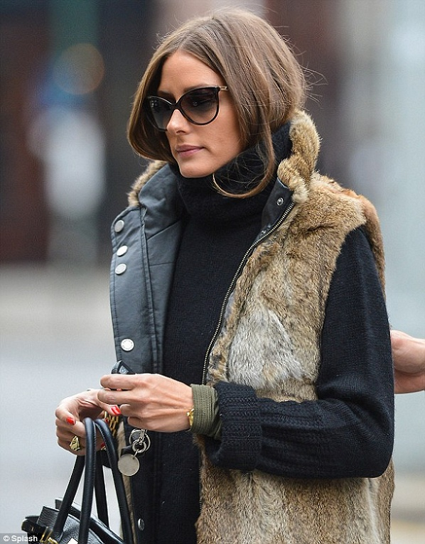 Picture Of trendy fall layer looks with fur  21