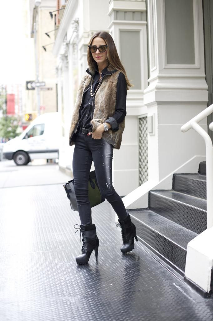 Picture Of trendy fall layer looks with fur  6