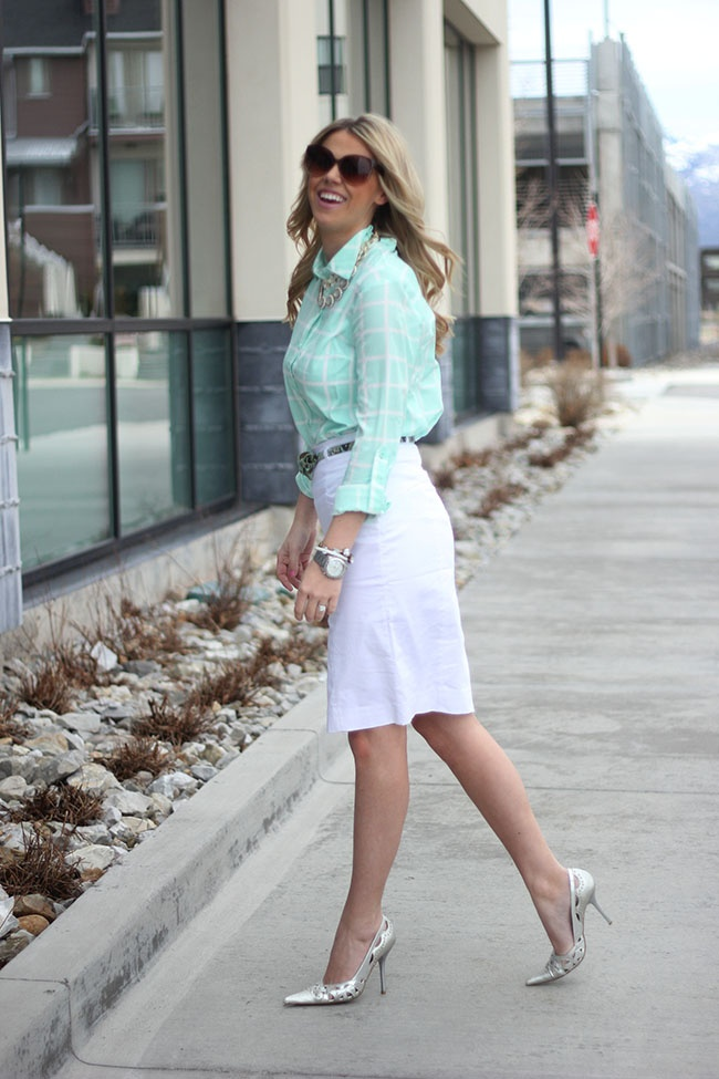 Picture Of trendy mint work outfits  12