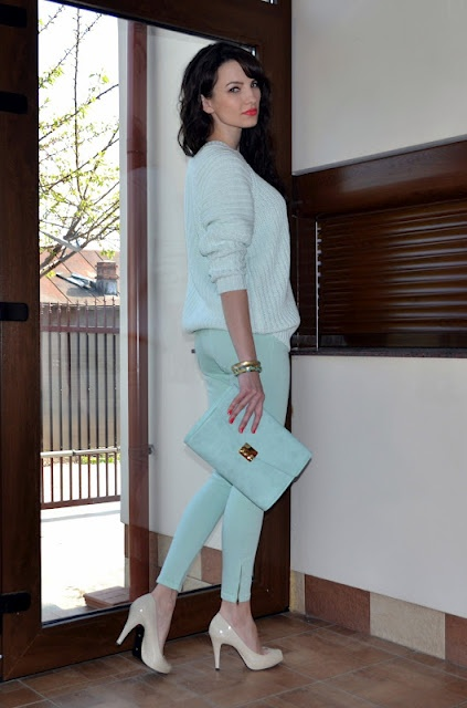 Picture Of trendy mint work outfits  21