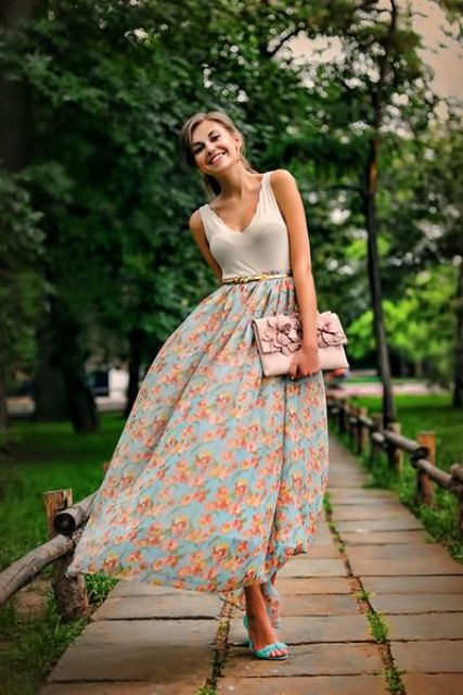 Picture Of trendy outfits with skirts to wear this summer  5
