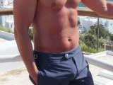 trendy-short-swim-trunks-for-men-4