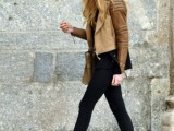 trendy-wedges-boots-outfits-to-rock-in-the-fall-15