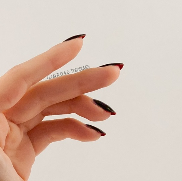 Picture Of unusual and fabulous diy manicure inspired by christian louboutins heels  5