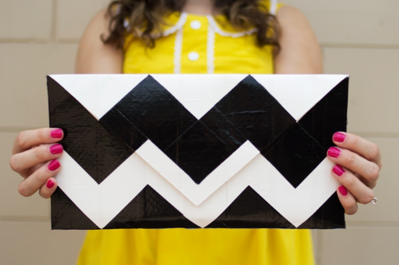 Picture Of very easy diy chevron clutch  1