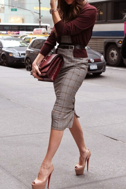 a grey bodycon midi dress, a burgundy cardigan, nude shoes and a burgundy bag make up a cool fall work outfit