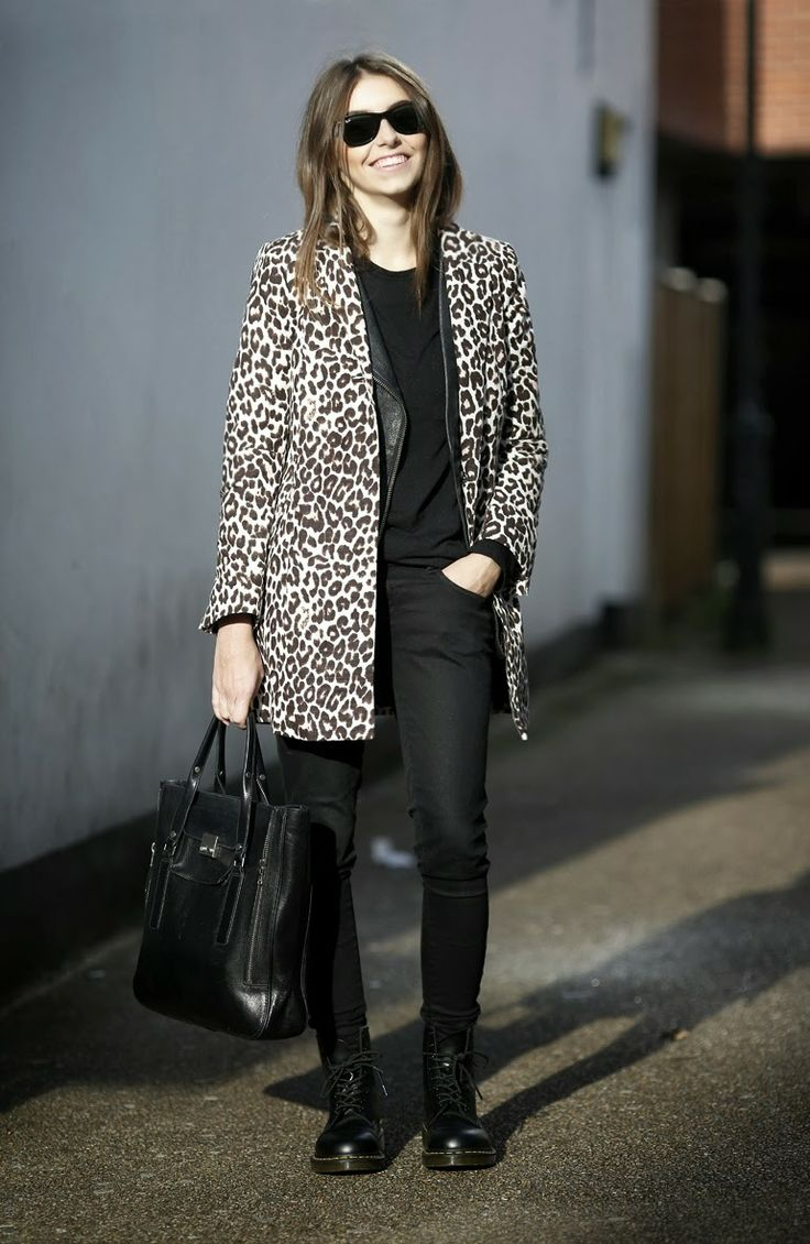 Picture Of wearing animal prints with style ways  1