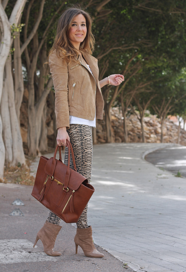 Picture Of wearing animal prints with style ways  14