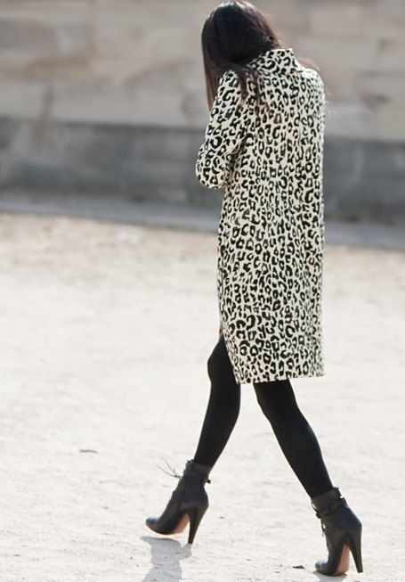 Picture Of wearing animal prints with style ways  3