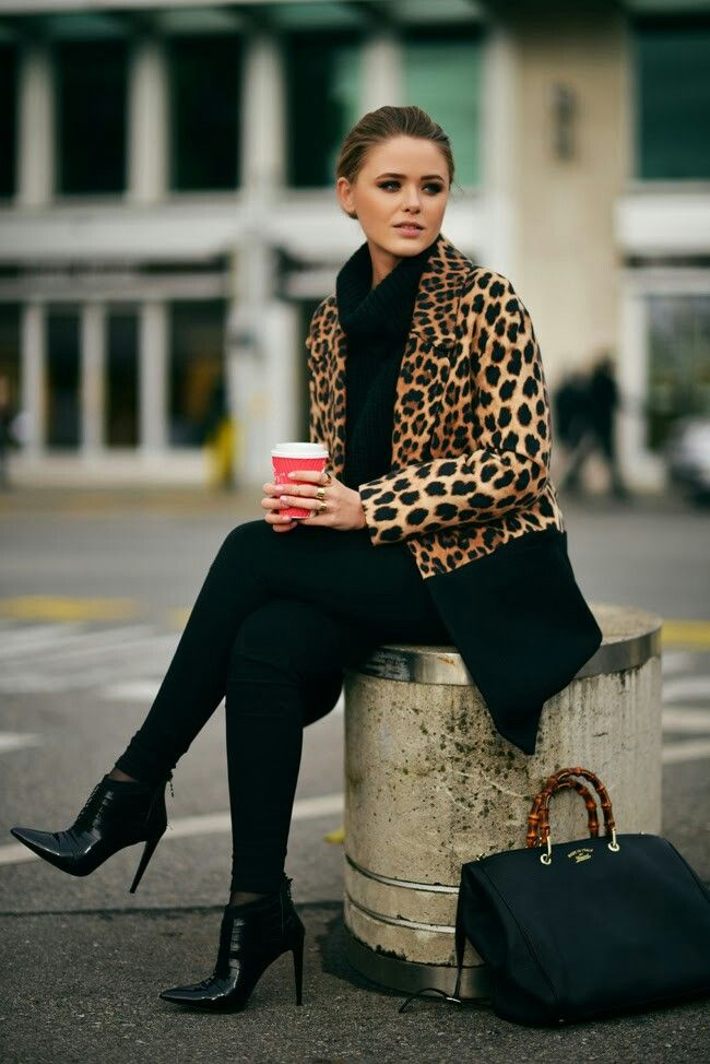 Picture Of wearing animal prints with style ways  4