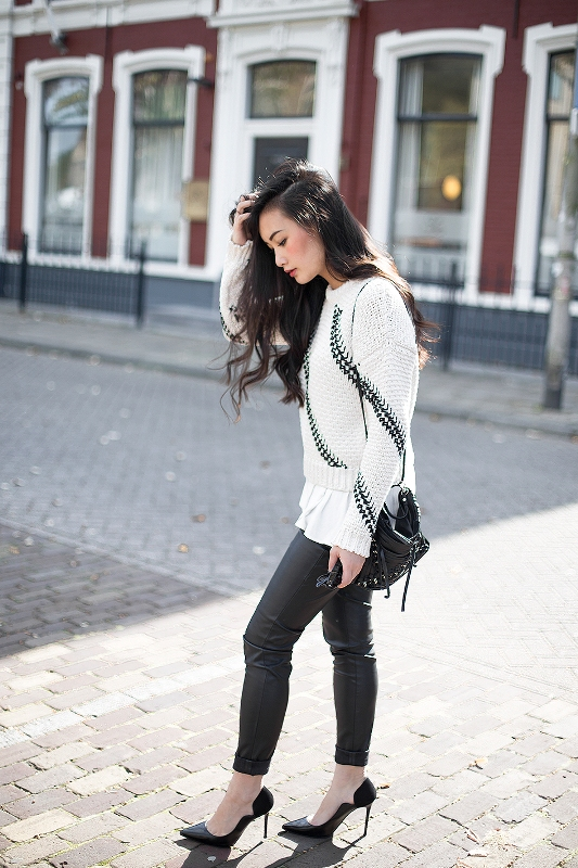 Picture Of what to wear on a day time coffee date 15 fall casual chic ideas  6