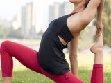 what-to-wear-to-yoga-class-21-stunning-and-comfy-ideas-1