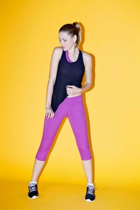 what-to-wear-to-yoga-class-21-stunning-and-comfy-ideas-15 ...