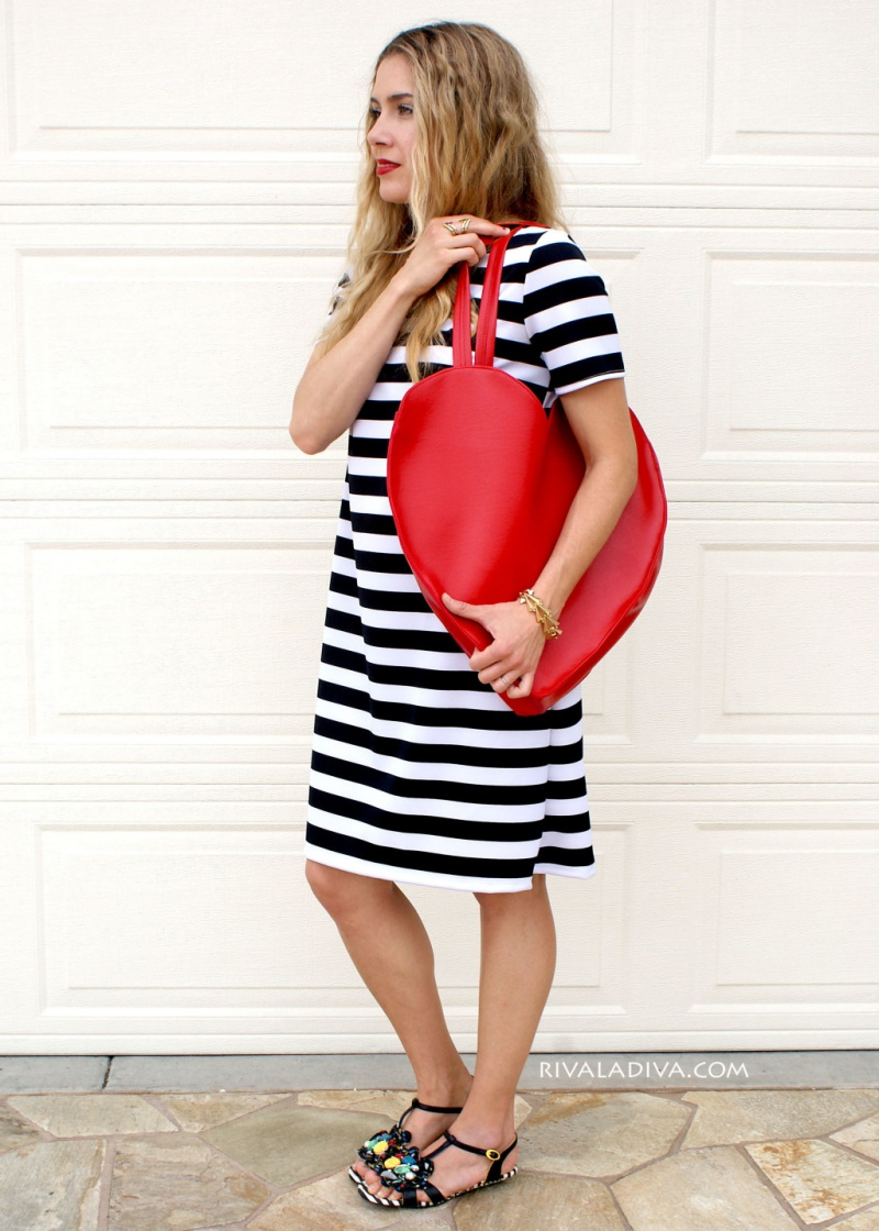 Picture Of whimsy diy heart shaped red tote  1