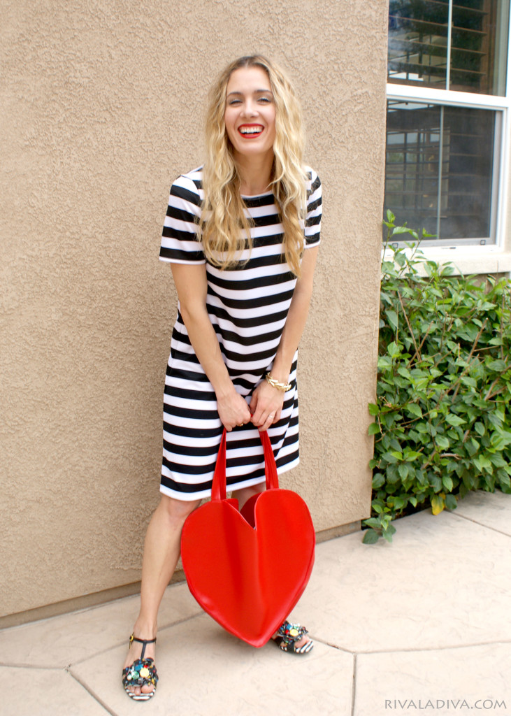 Picture Of whimsy diy heart shaped red tote  2