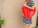 whimsy-diy-heart-shaped-red-tote-4