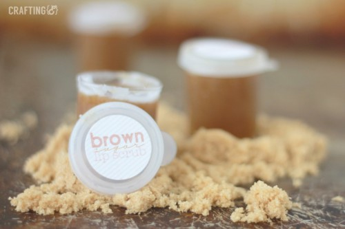 Winter's Must Have: DIY Brown Sugar Lip Scrub