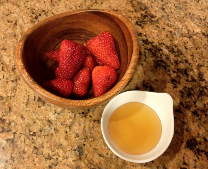 refreshing and brightening strawberry face mask