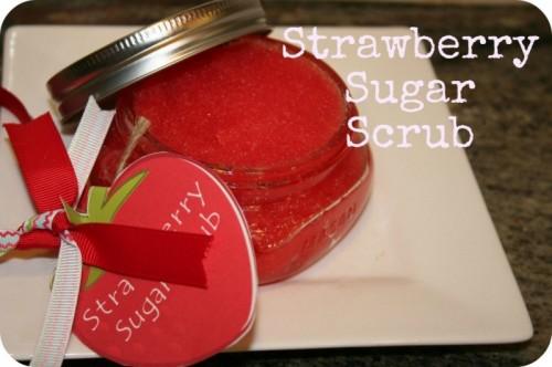 strawberry sugar scrub (via sevenclowncircus)